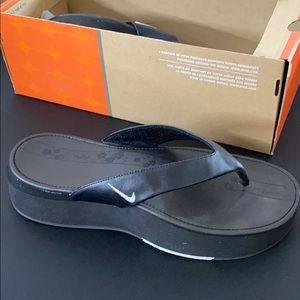 Nike CALEE High flip flops